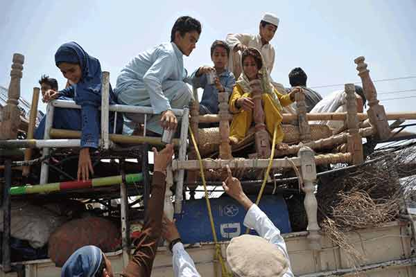 Photo of سب ڈویژن ایف آر پشاور سے وقتاً فوقتاً بڑے شہروں کی طرف نقل مکانی کی وجوہات